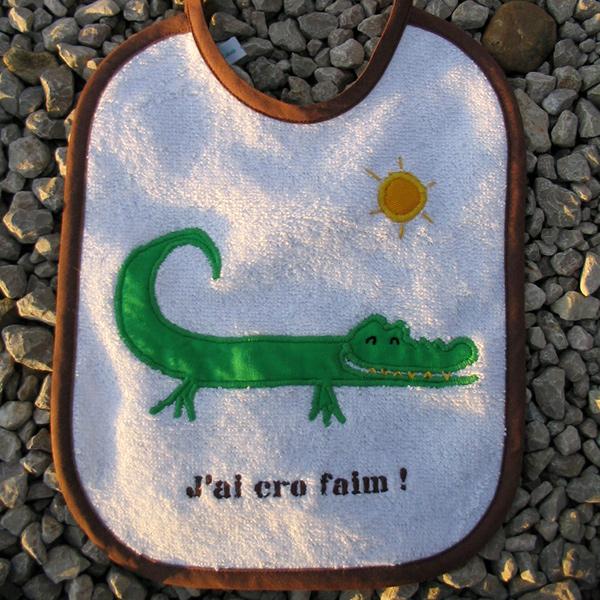 bavoir crocodile croc faim