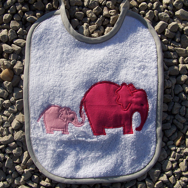 bavoir éléphant rose et fuchsia